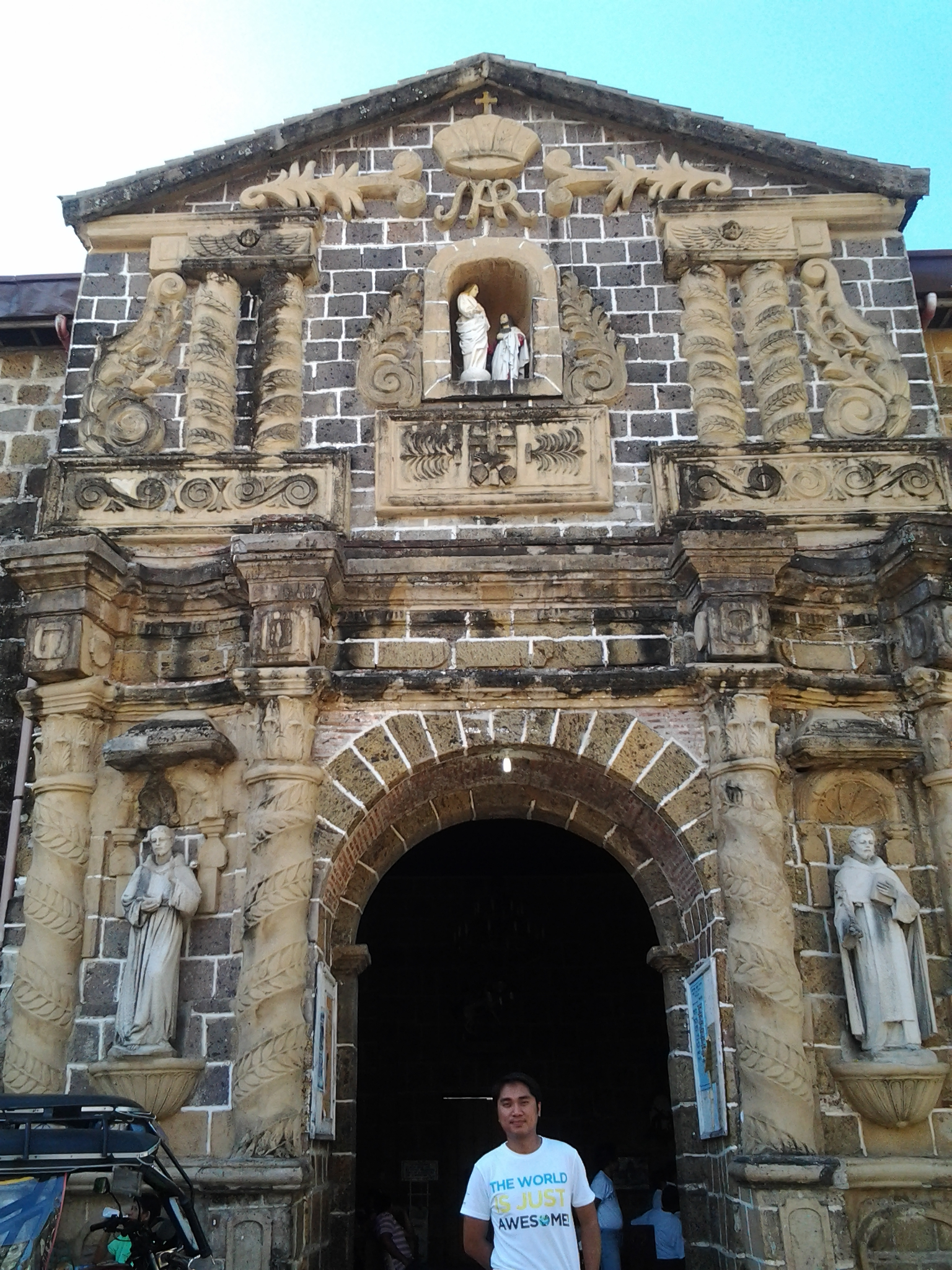 Laguna The Century Old Paete Church Of St James The Apostle Top Places To See In Laguna