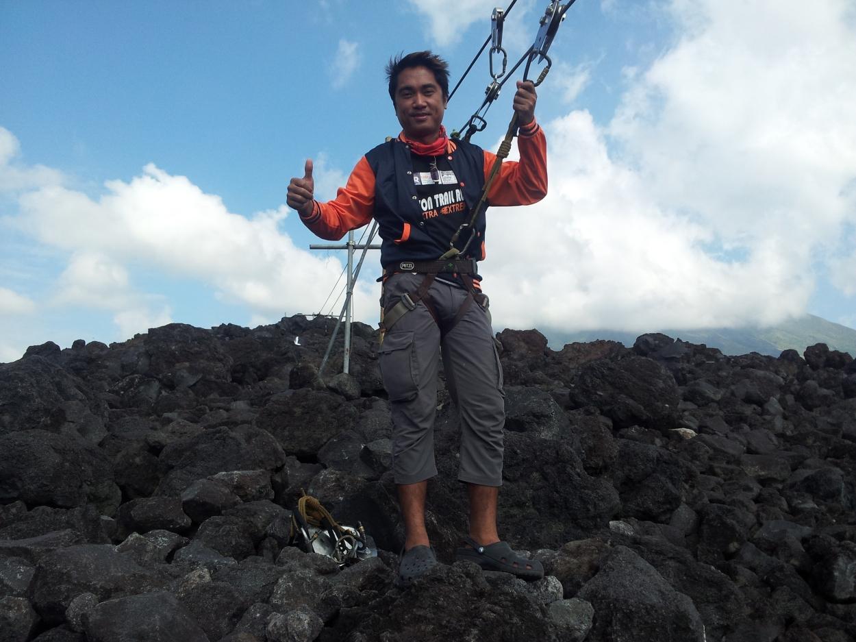 Zipline at mayon volcano