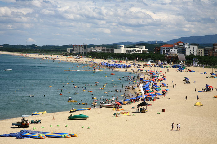 Naksan Beach (photo from http://kimchibytes.com)