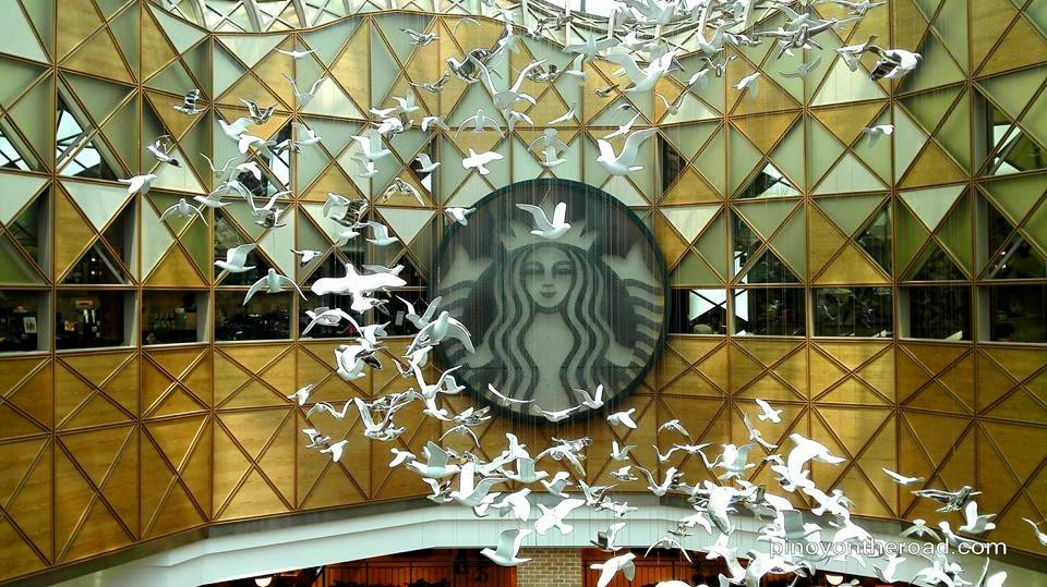 Beautiful Starbucks Stores – Starbucks Famille Park