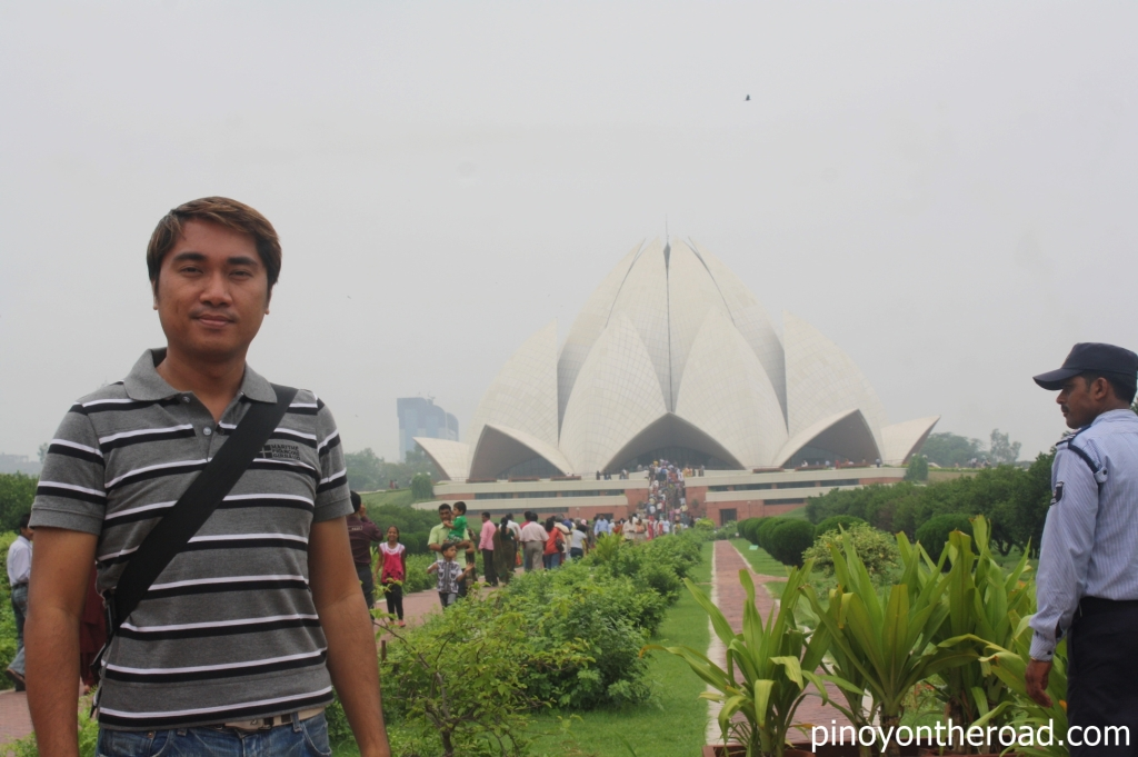 Taken November 2011 when I visited the Lotus Temple, New Delhi, India